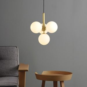 Suspended ceiling light made of glass balls, post-modern Nordic design, creative design, decorative interior light, ideal for a dining room, bar, kitchen or bedroom, 4 pieces