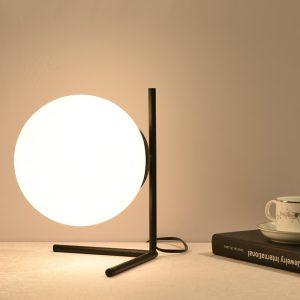 Lampe de table minimaliste en or et en verre blanc, style nordique moderne, avec trépied en fer, pour salon, lampe de bureau, IC