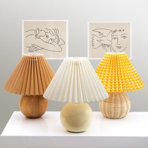 Vintage colored ceramic table lamp, romantic bedside lamp for living room bedroom, Nordic decoration for home, office